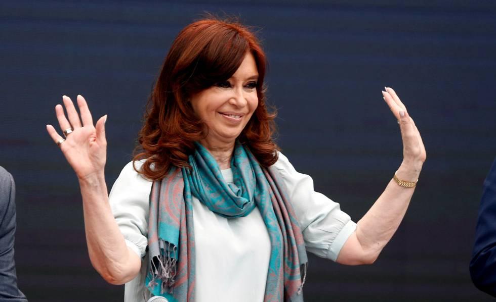 Un juez subrogante dictaminó que Cristina Kirchner puede cobrar dos pensiones honoríficas